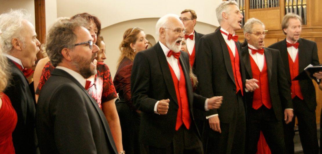 GOOG tenoren, baritons en bassen op het podium